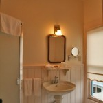 clementines suite bathroom