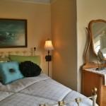 bed in sunriser room
